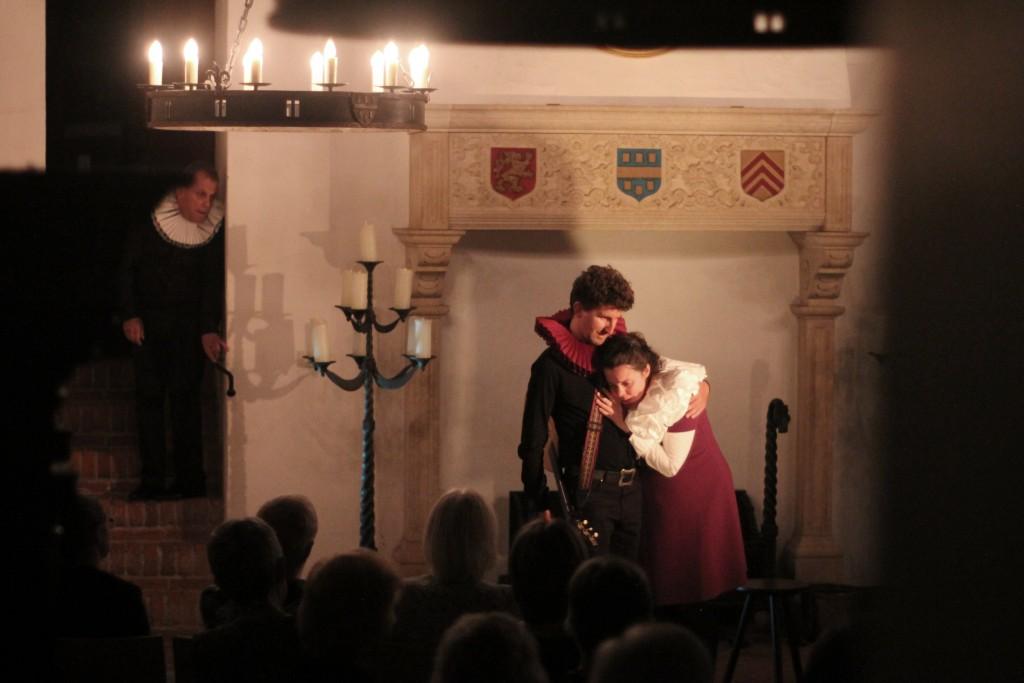 Theater Kwast speelt Lucelle op Kasteel Doorwerth